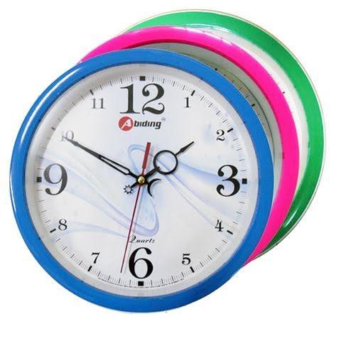 tặng đồng hồ khi mua tủ nhựa bình dương